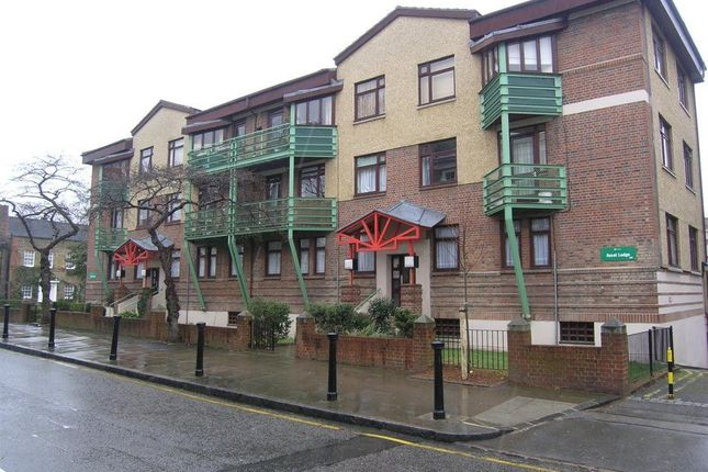Thumbnail Property to rent in Greville Place, London