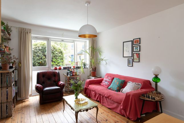 2 bed flat for sale in Arbuthnot Road, New Cross SE14