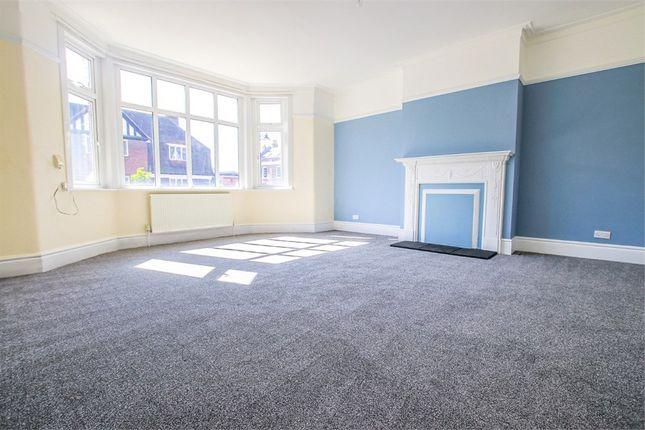 Thumbnail Flat to rent in Woodcote Mews, Wallington