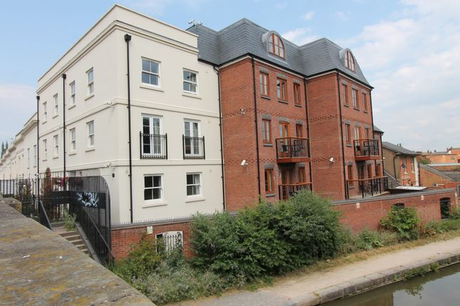 Thumbnail Flat to rent in 19 Tachbrook Road, Leamington Spa