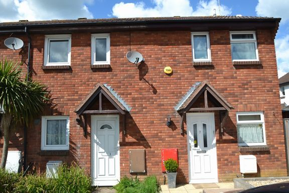 Thumbnail Terraced house to rent in Spindlewood Close, Honiton