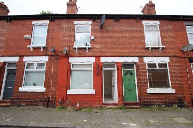 Thumbnail Terraced house to rent in Oak Grove, Urmston, Trafford