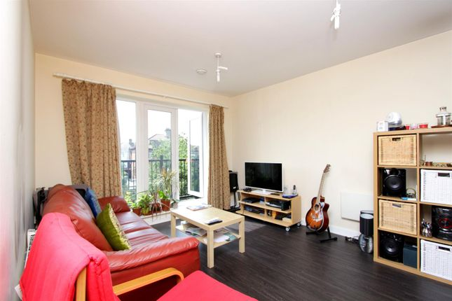 Thumbnail Flat to rent in Hedera Place, Hounslow West