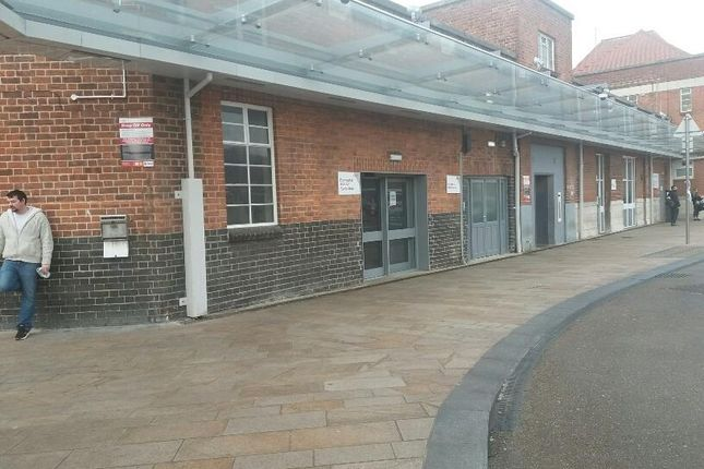 Thumbnail Retail premises to let in Doncaster Railway Station Station Court, Doncaster, South Yorkshire
