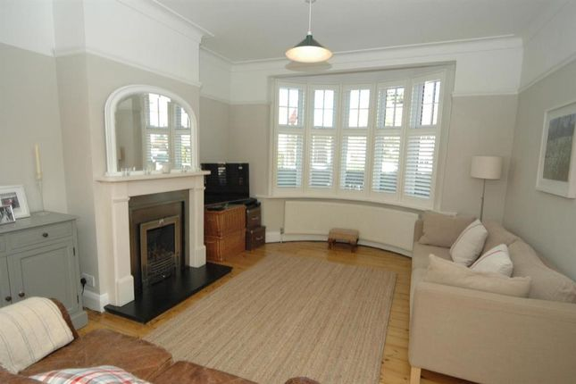 4 bed detached house to rent in Vallis Way, West Ealing