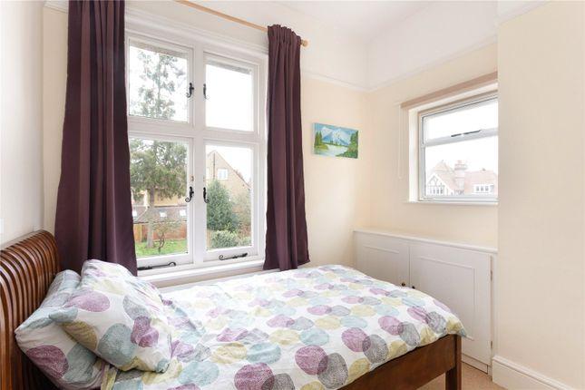 Picture No. 17 of Amenbury Lane, Harpenden, Hertfordshire AL5
