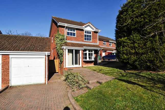 Thumbnail Detached house for sale in Mercot Close, Oakenshaw South, Redditch