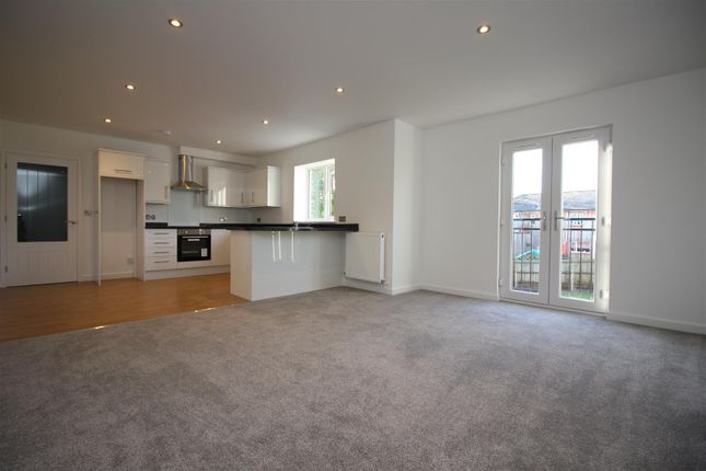 Thumbnail Flat for sale in Warren Court, Park View, Sturry