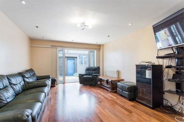 3 bed terraced house for sale in Alscot Way, London