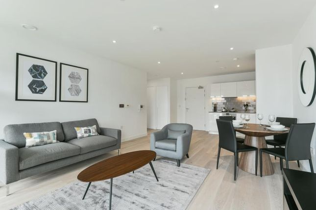 Thumbnail Terraced house for sale in Meridian Building, Royal Wharf, London