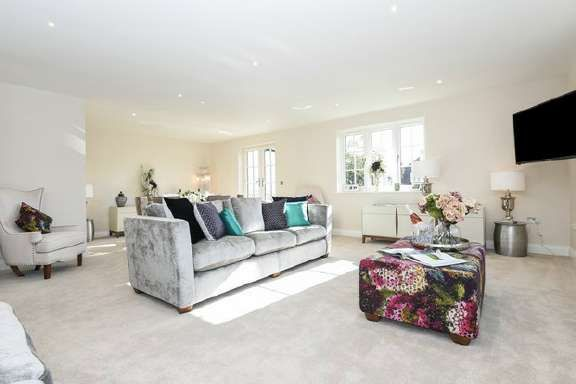 Thumbnail Property for sale in Isleworth, Middlesex