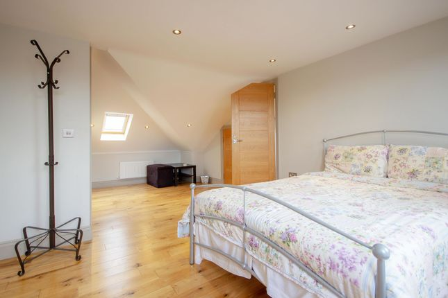 Thumbnail Room to rent in Room 6, Foster Road