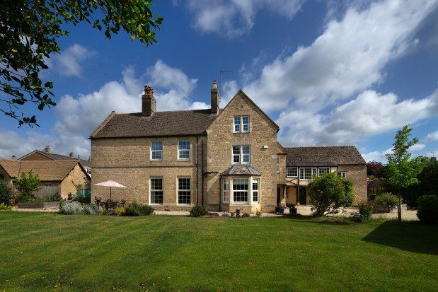Thumbnail Farmhouse to rent in Abbey Street, Witney