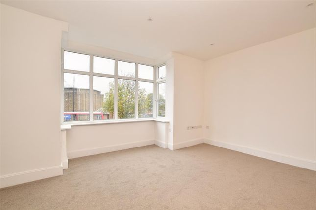 Thumbnail Flat for sale in Stafford Road, Wallington, Surrey