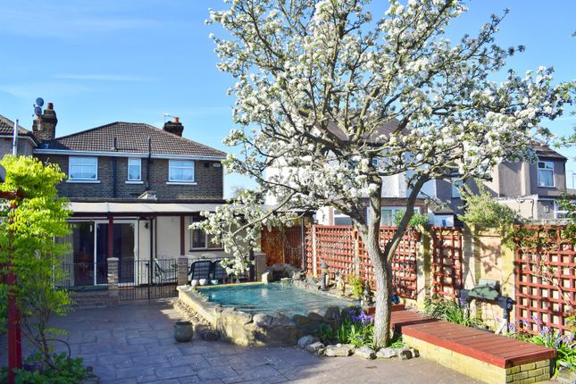 Thumbnail Link-detached house for sale in Blackfen Road, Sidcup, Kent
