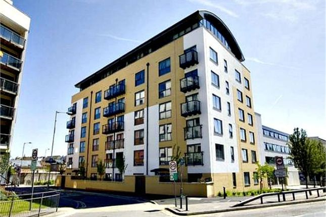 Thumbnail Flat for sale in Queens Gate, 2 Lord Street, Watford, Hertfordshire