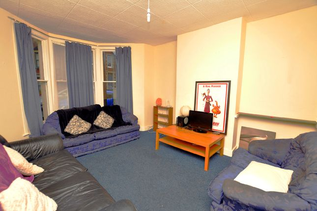 Thumbnail Flat to rent in Greville Road, Southville, Bristol