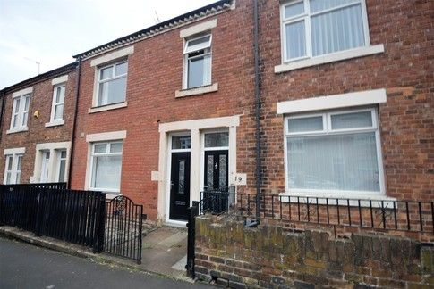 Thumbnail Flat to rent in Renforth Street, Dunston, Gateshead, Tyne And Wear