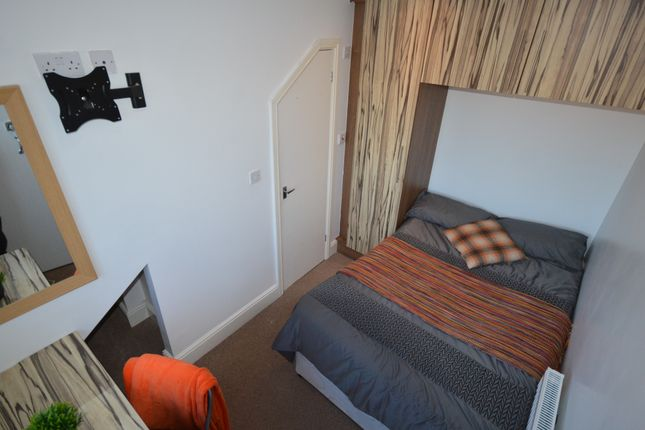 Thumbnail Shared accommodation to rent in Water Street, Newcastle Under Lyme