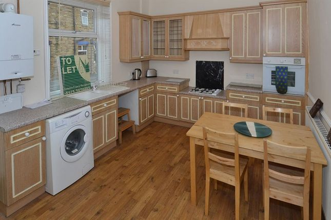 Thumbnail Property to rent in Kitchener Street, Woodlesford, Leeds