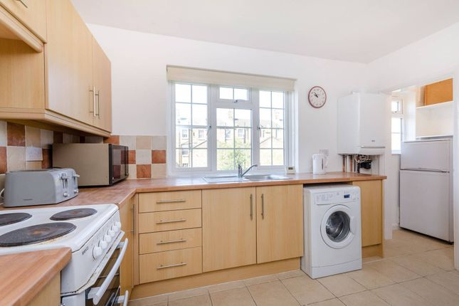 Thumbnail Flat to rent in Lock Chase, Blackheath