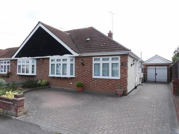 Thumbnail Bungalow for sale in The Redinge, Billericay