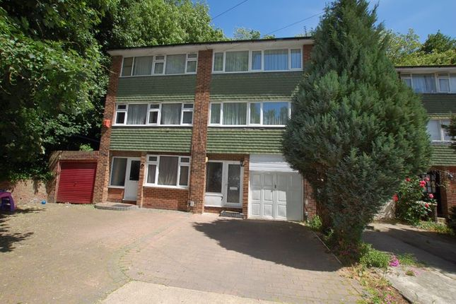 Photo 11 of Rookwood Close, Grays RM17