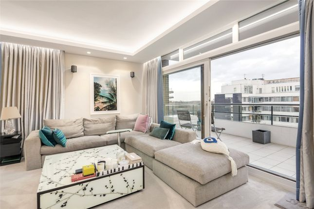 3 bed flat for sale in London House, St John's Wood
