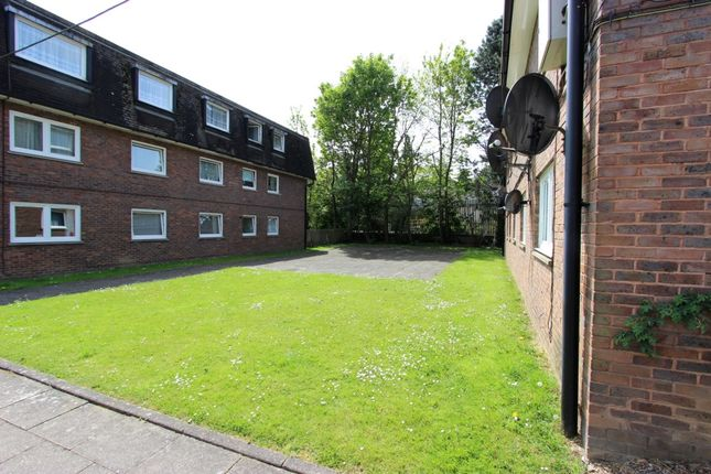 Thumbnail Flat to rent in Station Road, Kenley