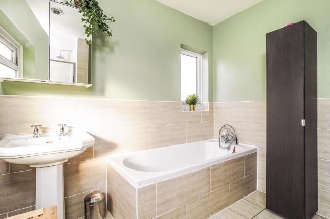 Bathroom of Charlecote Drive, Wollaton, Nottingham, Nottinghamshire NG8