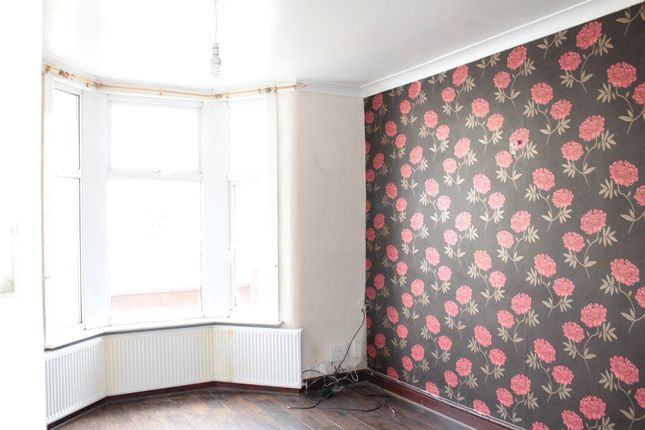 Thumbnail Terraced house to rent in Sixth Avenue, London