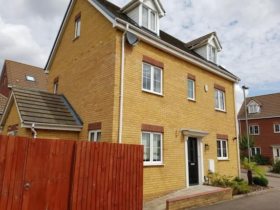 Thumbnail Detached house for sale in Boundary Close, Henlow, Bedfordshire, England
