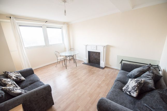 Thumbnail Maisonette to rent in Morpeth Street, Bethnal Green, London