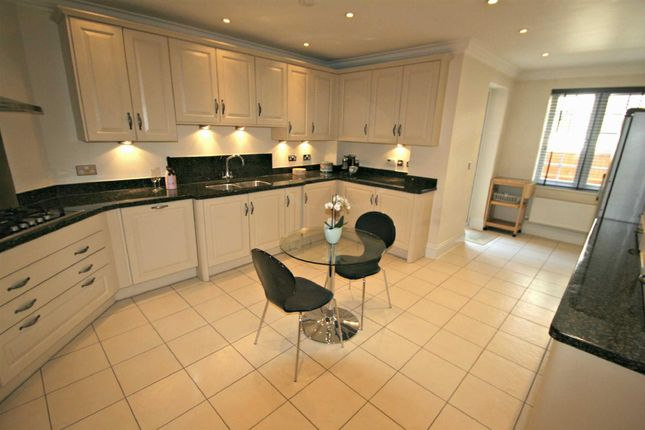 Thumbnail Flat to rent in Arden Oak, Warwick Road, Solihull