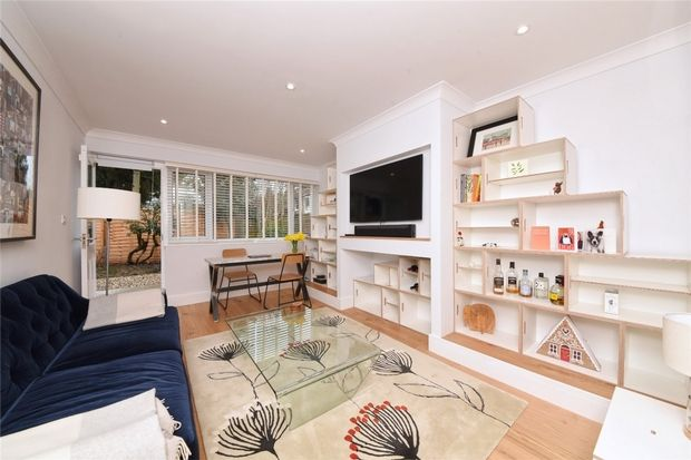 Thumbnail Flat to rent in Park Gate, East Finchley