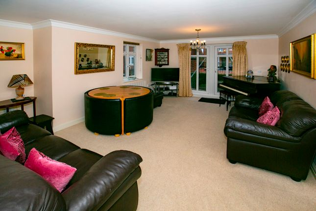 Lounge of Gabriels Square, Lower Earley, Reading RG6
