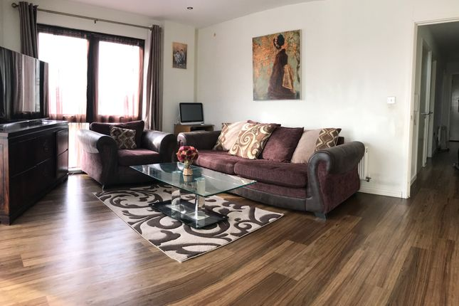 Flat to rent in Williamway, Wembley / Sudbury Town