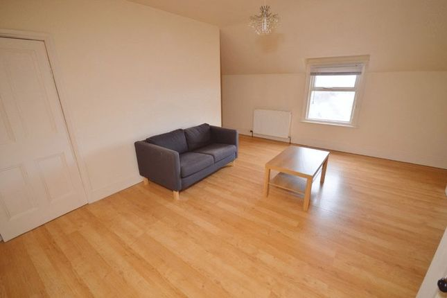 Thumbnail Flat to rent in High Street, Kippax, Leeds