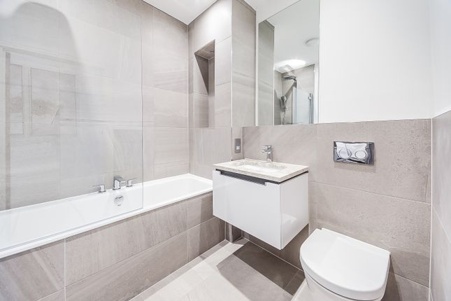 Thumbnail Flat to rent in Palace Wharf Apartments Rainville Road, London