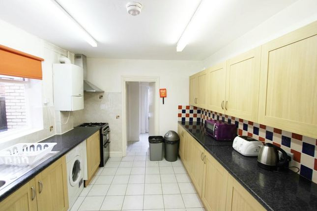 Thumbnail Semi-detached house to rent in Hermitage Road, London