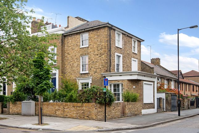 Thumbnail Maisonette for sale in Mortimer Road, De Beauvoir Town, London