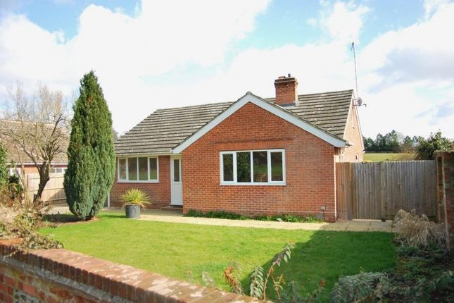 Thumbnail Detached house to rent in Rye Common Lane, Crondall, Farnham