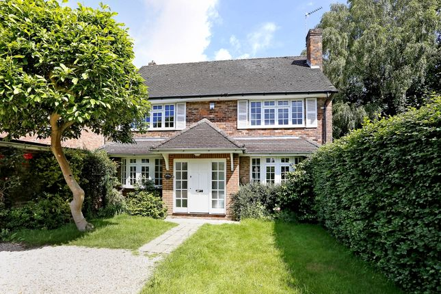 Thumbnail Detached house to rent in Gregories Road, Beaconsfield