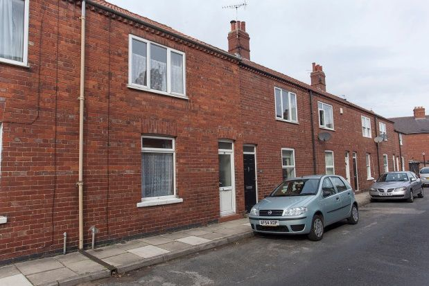 Thumbnail Terraced house to rent in Curzon Terrace, York