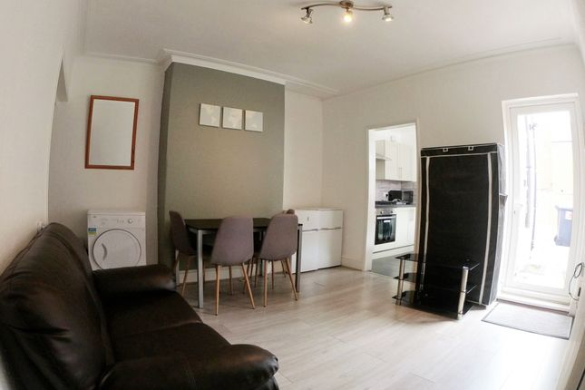 Room to rent in Sherbrooke Street, Lincoln LN2