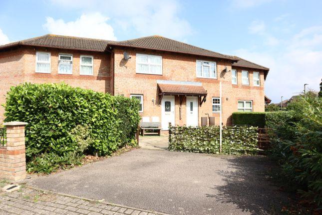 2 bed terraced house to rent in Rashleigh Place, Oldbrook, Milton Keynes, Buckinghamshire MK6
