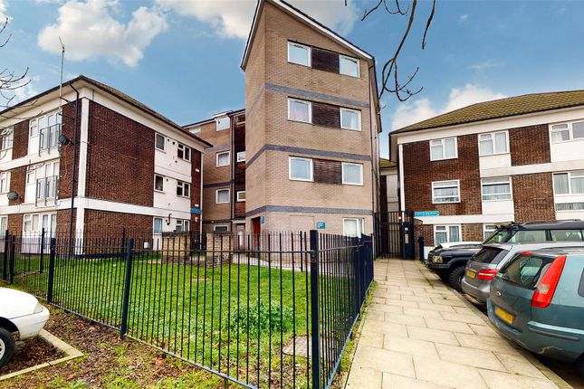 2 bed flat for sale in Redgrave Road, Basildon SS16