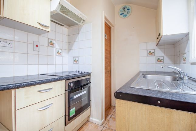 Kitchen of Waldeck Street, Reading, Berkshire RG1