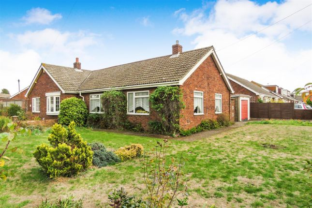 Thumbnail Detached bungalow for sale in Holme Court Avenue, Biggleswade