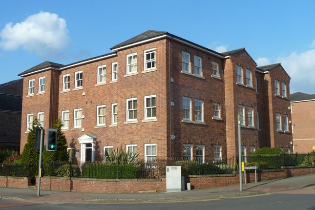 Thumbnail Flat to rent in Higher Hillgate, Stockport